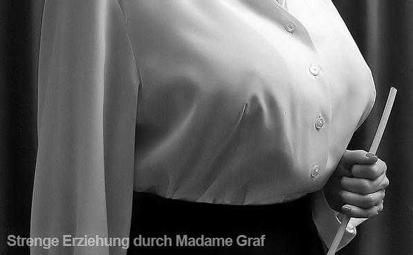 Gouvernante Mami Lehrerin Tante Chefin Domina Duisburg NRW Ruhrgebiet Peitsche Erziehung Bestrafung High Heels Bluse Satin Lederrock Korsett Ledermantel Leder Lederstrapse Mieder